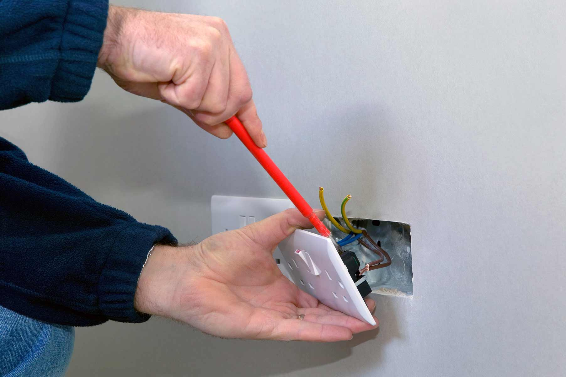 Our electricians can install plug sockets for domestic and commercial proeprties in West Thurrock and the local area.
